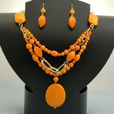 ORANGE BEADED SET- NEW in Pearland, Texas