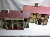 Auction Antiques and Collectibles in Elgin, Illinois