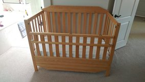 Solid wood crib - barely used in Nellis AFB, Nevada
