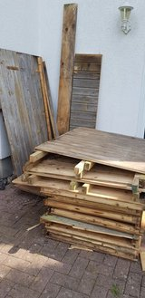 Free Wood, weathered, shed in Ramstein, Germany