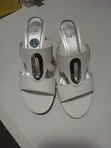 white shoes - sz 8 1/2 in Sugar Land, Texas