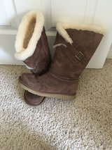 Uggs women's brown size 8 in Yucca Valley, California