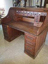 Antique Oak Rolltop Desk in Fort Leonard Wood, Missouri
