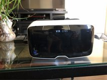 Zeiss VR headset w/extra iPhone 6 tray in Vacaville, California