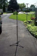MICROPHONE STAND in Oswego, Illinois
