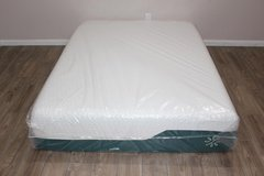 Queen Zinus Memory Foam Mattress in Spring, Texas