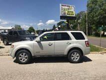 2008 FORD ESCAPE LIMITED in Fort Leonard Wood, Missouri