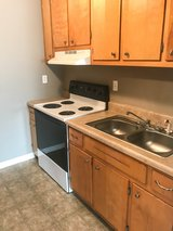 2 Bed 2 Bath Apartment Walking Distance to APSU!! in Fort Campbell, Kentucky