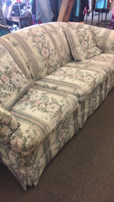 Couch (Great Shape) in Fort Leonard Wood, Missouri