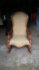 Antique. Cushion rocking chair in Chicago, Illinois