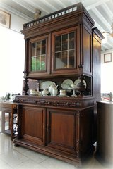 Henri II dining room hutch with stained glass in Stuttgart, GE