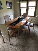 Dining Table and Chairs with leaf in Aurora, Illinois