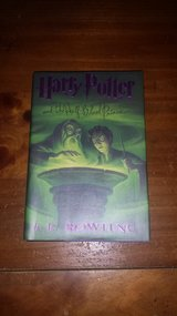Like new! #6 Harry Potter and the Half-Blood Prince Hardcover Book in Glendale Heights, Illinois