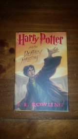 Like new! #7 Harry Potter and the Deathly Hallows Hardcover Book in Glendale Heights, Illinois