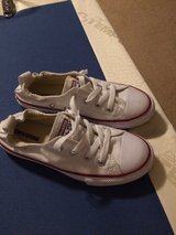 converse shoes size 2 in Conroe, Texas