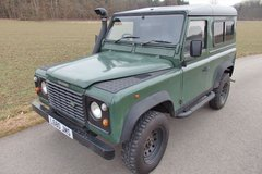 Land Rover Defender 90 in Ramstein, Germany