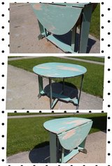 Round Drop Leaf Table in New Lenox, Illinois