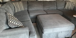 Large Sectional Sofa w/ Storage Ottoman in Converse, Texas