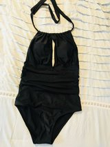 New size large swimsuit in Pleasant View, Tennessee