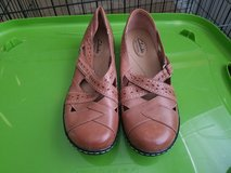 Womens size 9 Clarks bendables in Fort Riley, Kansas
