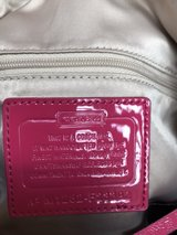 Coach handbag, EUC & authentic in Pleasant View, Tennessee