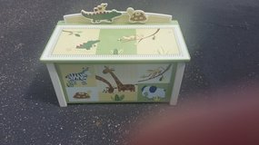 kids toy chest in Orland Park, Illinois