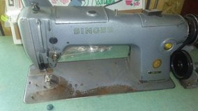 Singer 281-22 Heavy Duty Sewing Machine with cabinet in Fort Leonard Wood, Missouri