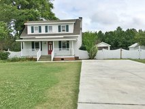 Country Charm~ 4Bed/ 1.5Bath Home in Camp Lejeune, North Carolina
