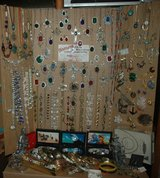 Vintage and Custom Fine & Costume jewelry in Fort Leonard Wood, Missouri