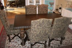 Dining Room Table and 6 Upholstered  Chairs in Hopkinsville, Kentucky