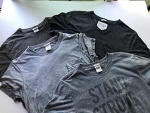4 Abercrombie & Fitch tee shirts in Glendale Heights, Illinois