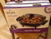 New electric skillet in 29 Palms, California