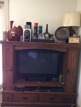 43' Inch Phillips HDTV W/Dolby Surround Sound Système High Tech. Wood 2 Piece Entertainment Center! in Lackland AFB, Texas