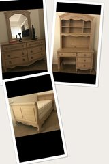 Twin bedroom furniture in Camp Pendleton, California