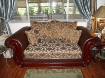 BEAUTIFUL LOVE SEAT in Cleveland, Texas