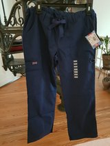 New Navy blue scrubs small petite. in Ramstein, Germany