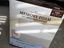 "HOME CLASSICS MEMORY FOAM 1 1/2"" MATTRESS TOPPER in Joliet, Illinois"