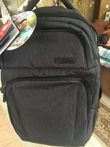 American Tourister Serac / black backpack tote in Baytown, Texas