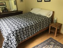 Queen size bed frame and side tables in Grafenwoehr, GE