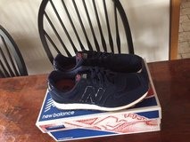 NB WOMAN'S SHOES NAVY 6.5M in Ramstein, Germany