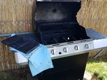 4 burner char broil grill with side burner in Stuttgart, GE