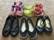 Girls shoes lot size 2,3 and 4 in Warner Robins, Georgia