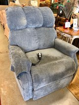 Electric Lift Chair in Conroe, Texas