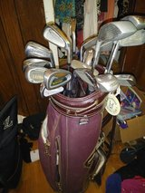 bag with misc clubs in Fort Campbell, Kentucky
