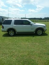 2006 Ford Explorer...Eddie Bauer edition...4 wheel drive in Camp Lejeune, North Carolina