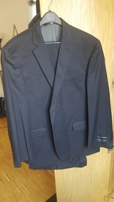 Jos A. Bank 100% Wool Suit (NEVER worn) in Stuttgart, GE