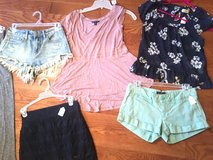 Junior Girls/ shorts / skirts / Hollister/American Eagle in Fort Campbell, Kentucky