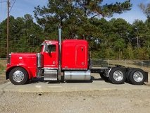 2001 Peterbilt 379 Extended hood 18 speed transm in Fort Polk, Louisiana