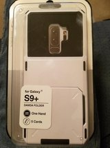 GALAXY S9 PLUS WHITE CASE WITH CARD SLOTS in Fort Campbell, Kentucky