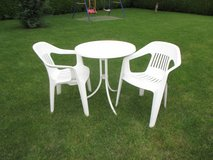 pretty lawn set (table + 2 chairs) in Ramstein, Germany